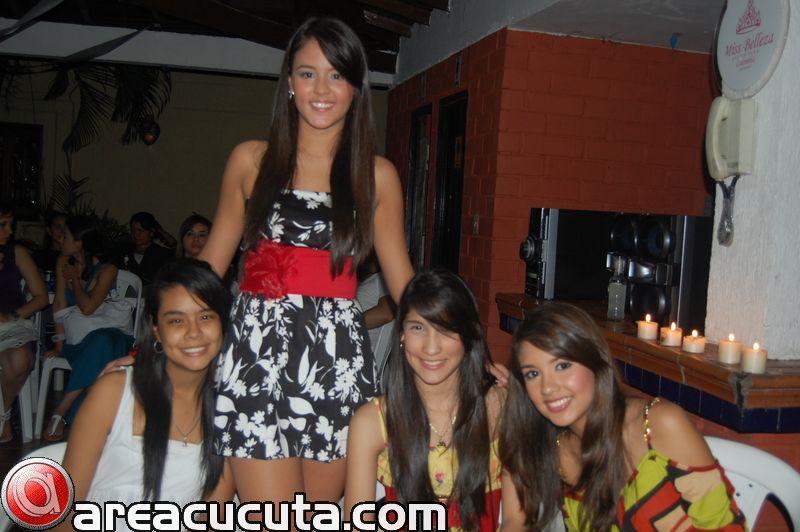 Daniela Polania Festeja Su titulo Como Mis Belleza Juvenil Colombia