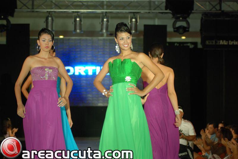 Fashion Moda Estilo y Belleza 2.010.