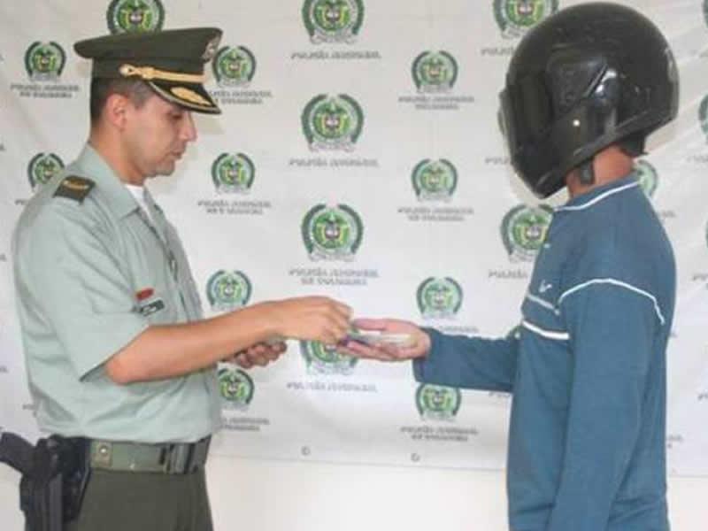 Policía Nacional Realiza Pago De Recompensa A Informantes