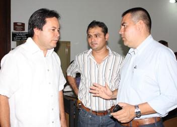 Gobernador Y Alcalde De Bucarasica Se Reunieron Para Hablar De Vías Y Electrificación