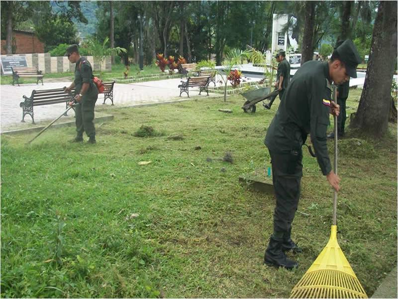 Policía Nacional Recupera Parque En El Municipio De Chinácota