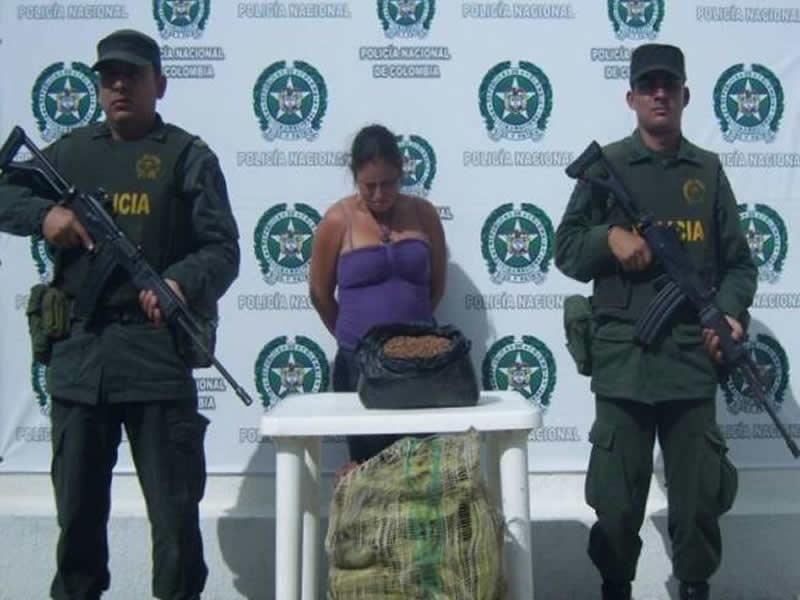 Policía Nacional Se Incauta De Mas De 6.000 Semillas De Matas De Coca Y Captura A Una Mujer