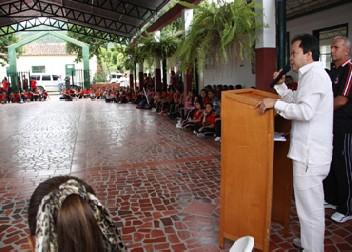 En Su Visita A La Ciudad Gobernador Hace Recorrido Por Los Centros Educativos De Ocaña.