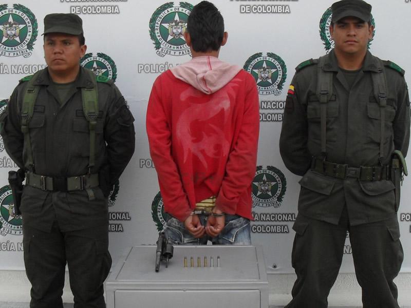Policía Nacional Captura A Un Hombre Por El Delito De Porte Ilegal E Incauta Un Arma Artesanal Abandonada
