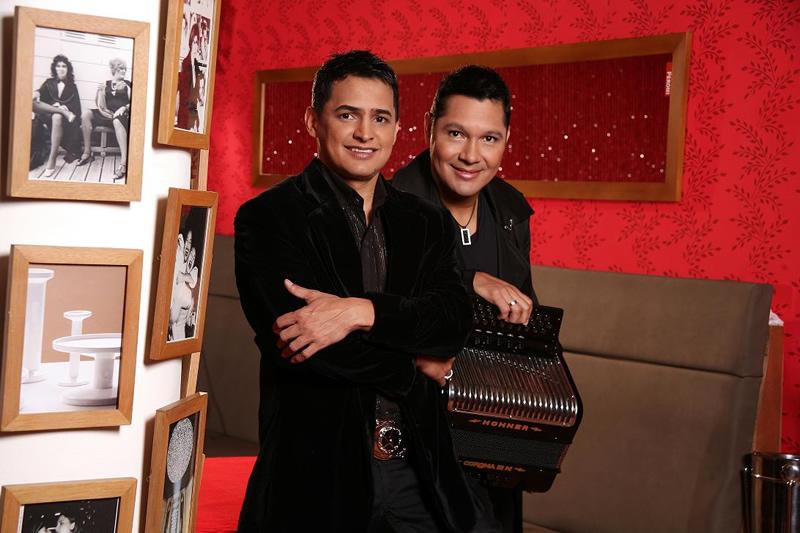Jorge Celedón Y Jimmy Zambrano, Octubre Internacional