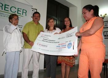 Secretaría De La Mujer Entrega Microcreditos A Microempresarias