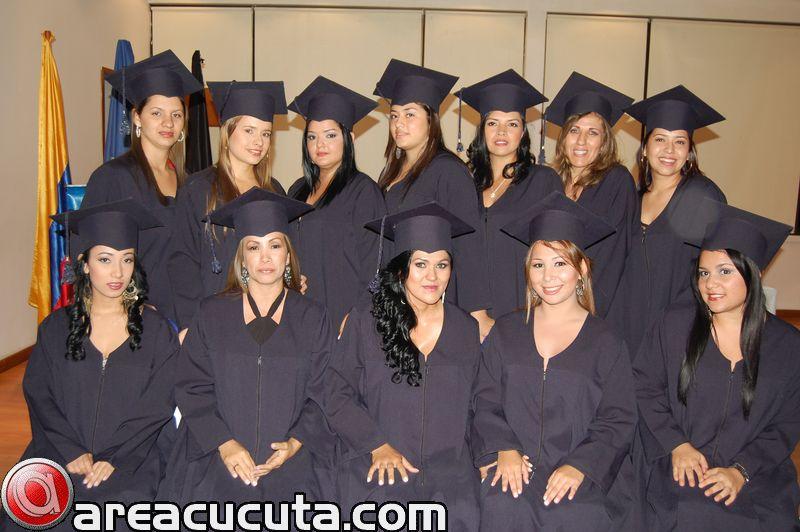 Acto de Grados Escuela de Estética Facial y Corporal EDES.