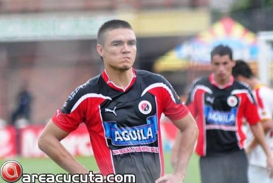 3 gol. Giovanni Garcia de penalty marca el tercero del torneo en su cuenta personal.