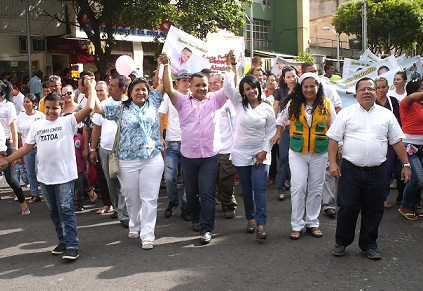 Juan Alcides Santaella se Adhiere a la Campaña de  Luis Antonio Tatoa Caceres