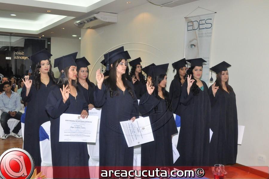 Escuela de Estética Integral  (EDES) graduó a su Novena Promoción.