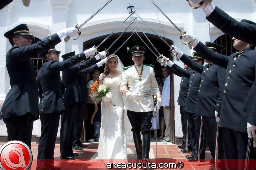 Jeniffer Y Andres unidos por el Amor en el sacramento del Matrimonio.