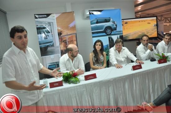 En la foto de Izq a Der: Alejandro Machado(Presidente Distoyota); Christian Pfeil Schneider (Gerente General Porshe); Federico Pfeil Scheider (CEO Distoyota); Juan Carlos Barco (Socio Cucuta Motors); Juan Carlos García Herreros (Socio Cucuta Motors)