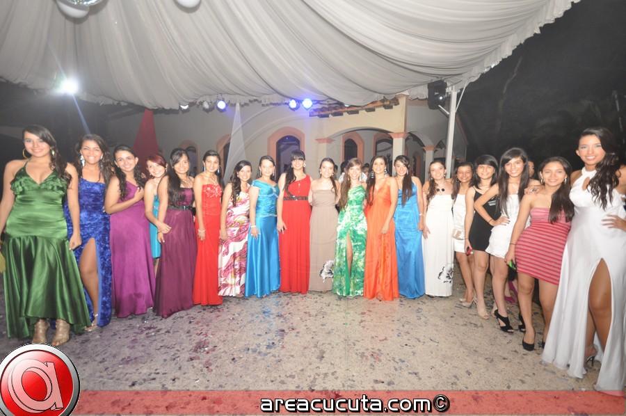 Grados Colegio Santa teresa promoción 2.011