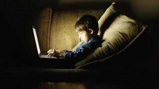 ninos-internet-redes-sociales_revoluciontrespuntocero