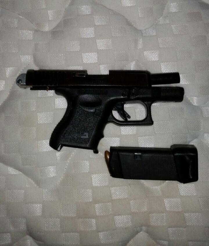 Fue aprehendido un menor de 17 años con una pistola Glock ...
