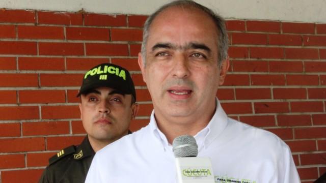 ALCALDE DONAMARIS LAMENTÓ ERROR DE PERIODISTAS QUE CONFUNDIERON A CÚCUTA CON ARAUCA EN INFORME DEL PORTAL EL PAÍS DE ESPAÑA