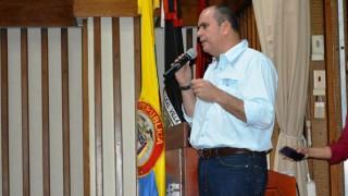 Luna propone nacionalización de vehículos de carga   represados en Venezuela