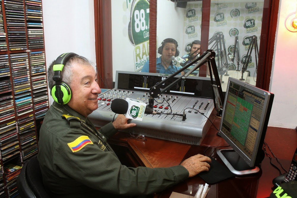 Resultado de imagen para Imagenes Emisora Policía Nacional