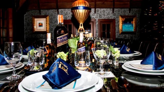 blue-dinner