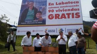 Firma de convenio y puesta de primera piedra de viviendas Toledo y Labateca (1)