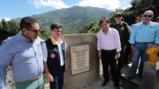 La UNGRD y la Gobernación entregan puente en Villa Caro (12)