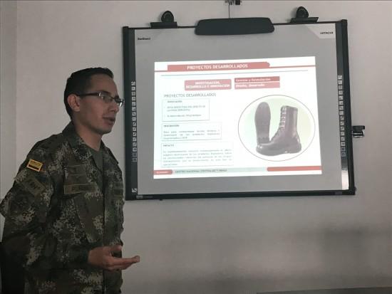 """Capitán Miguel Alejandro Plazas Vanegas: """"el reto del Ejército Nacional de Colombia es entregar para el año 2021 el país libre de minas a la población civil"""". Foto David Jojoa"""