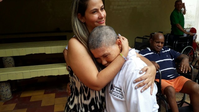 Secretaría de desarrollo social- Entrega de ayudas técnicas Hospital Rudensindo Soto