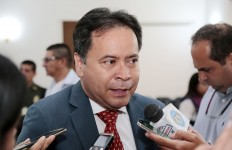 William Villamizar Laguado, gobernador (1)