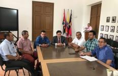 Concejales de Villa Caro y el Gobernador de Norte de Santander - Análisis de obras para el municipio