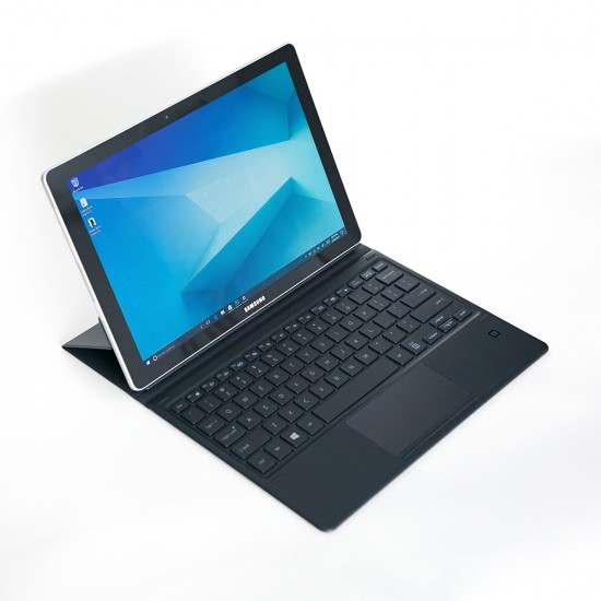 Galaxy-Book-Hands-On-1