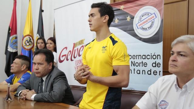Rueda de Prensa Josimar Calvo (5)