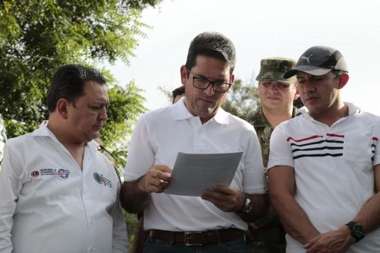 Ministro de Agricultura en Pedregales (22)