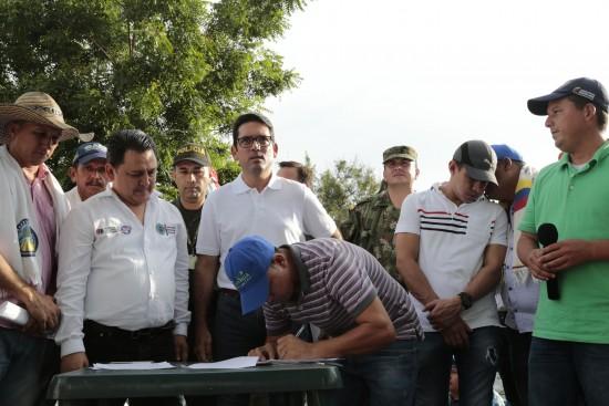 Ministro de Agricultura en Pedregales (23)