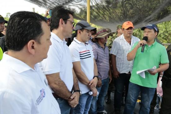 Ministro de Agricultura en Pedregales (3)