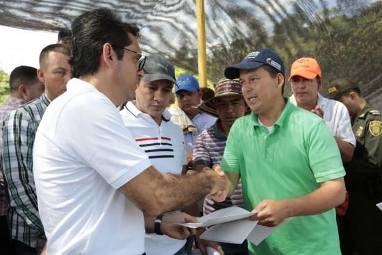 Ministro de Agricultura en Pedregales (4)