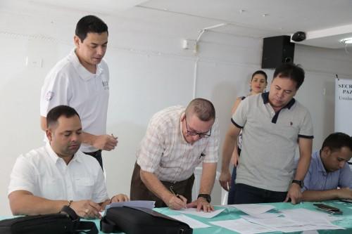 Entrega de Ayudas Alimentarias para Familias Víctimas del Conflicto de 8 Municipios (11)