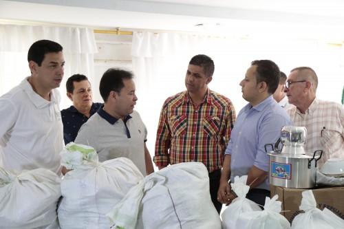 Entrega de Ayudas Alimentarias para Familias Víctimas del Conflicto de 8 Municipios (19)