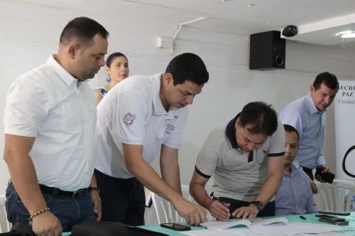 Entrega de Ayudas Alimentarias para Familias Víctimas del Conflicto de 8 Municipios (8)