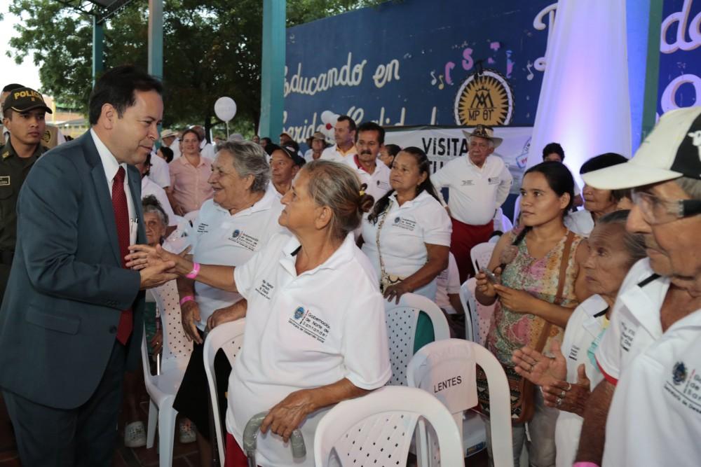 Entrega de ayudas comunas de Cúcuta (1)