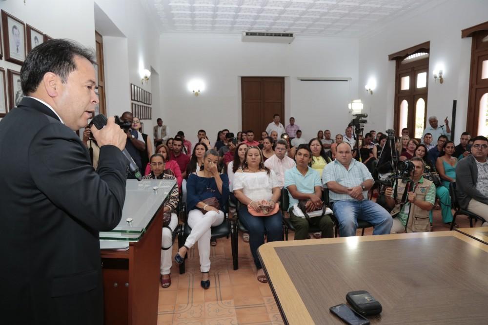 Entrega de decretos de provisionalidad a docentes del Catatumbo (6)