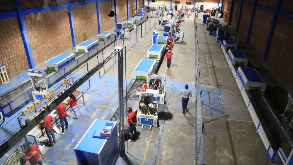 Inauguración planta de producción en la zona franca (2)