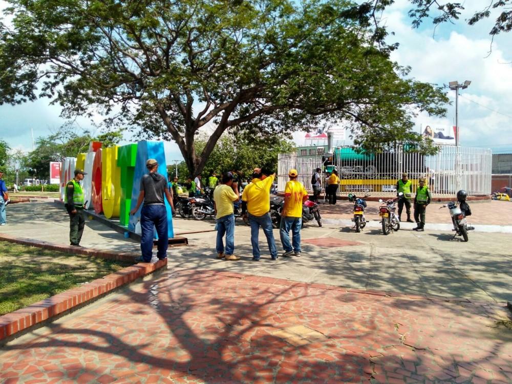 Policia Metropolitana de Cúcuta y Alcaldía Municipal embellecen la Glorieta del Terminal de Transporte (2)