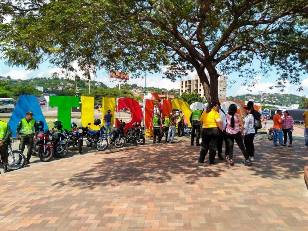Policia Metropolitana de Cúcuta y Alcaldía Municipal embellecen la Glorieta del Terminal de Transporte (3)