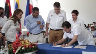 Visita de Ministro de Hacienda, Gobernador y gerente Fondo Adaptación a Gramalote (16)