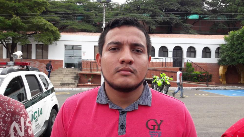 CARLOS VALENCIA PIRACON DELITO DE HURTO CALIFICADO Y PORTE ILEGAL DE ARMAS