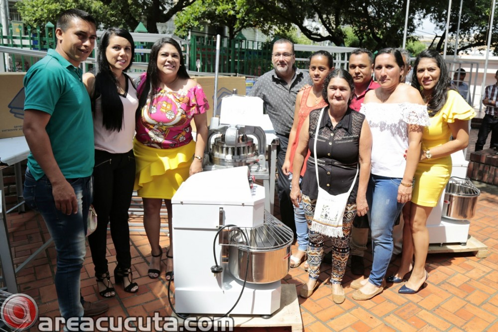 Entrega de capital semilla para asociaciones de Mujeres de San Calixto, Chinácota, Ragonvalia, Mutiscua y Durania (10)