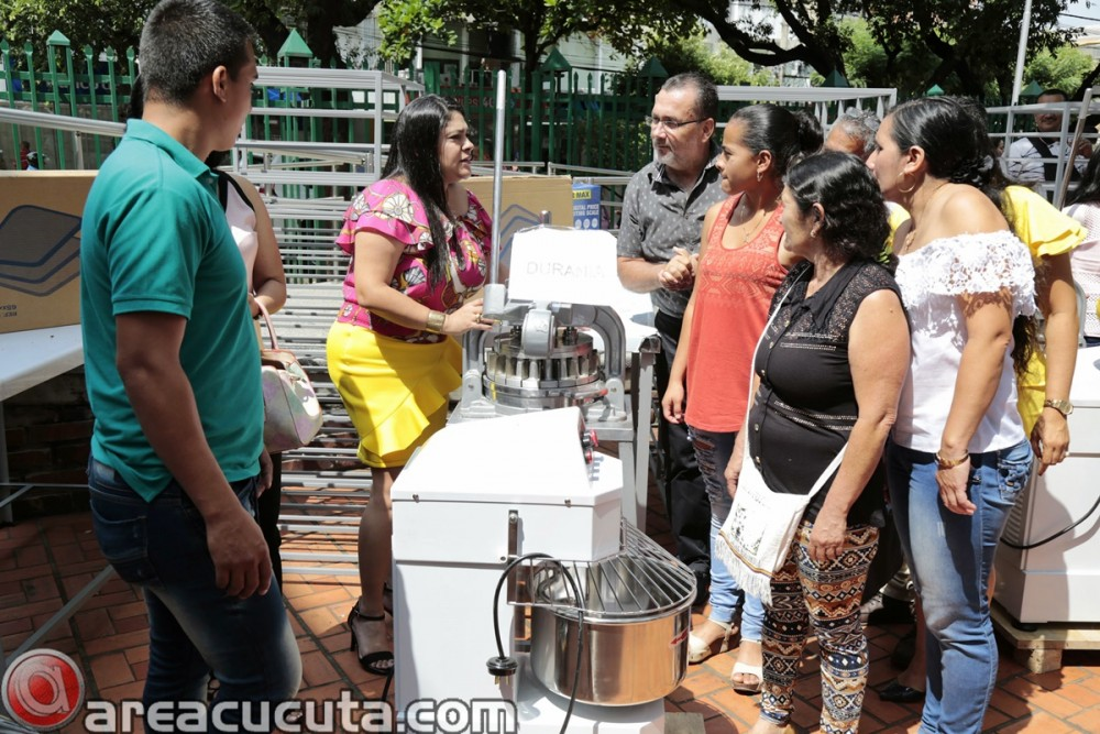 Entrega de capital semilla para asociaciones de Mujeres de San Calixto, Chinácota, Ragonvalia, Mutiscua y Durania (11)