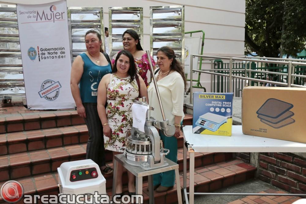 Entrega de capital semilla para asociaciones de Mujeres de San Calixto, Chinácota, Ragonvalia, Mutiscua y Durania (12)