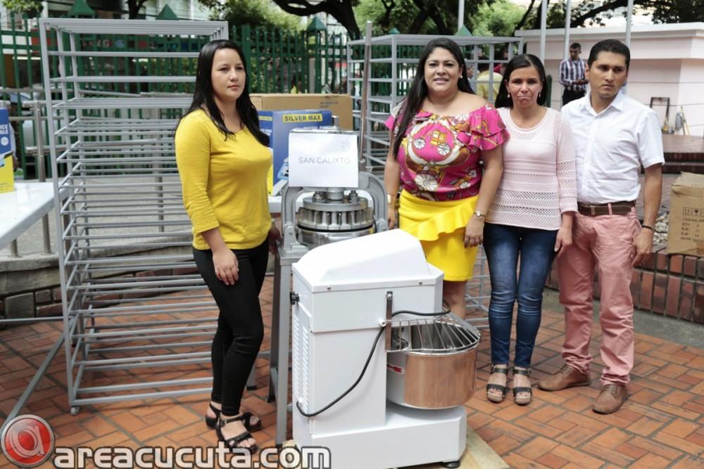 Entrega de capital semilla para asociaciones de Mujeres de San Calixto, Chinácota, Ragonvalia, Mutiscua y Durania (8)