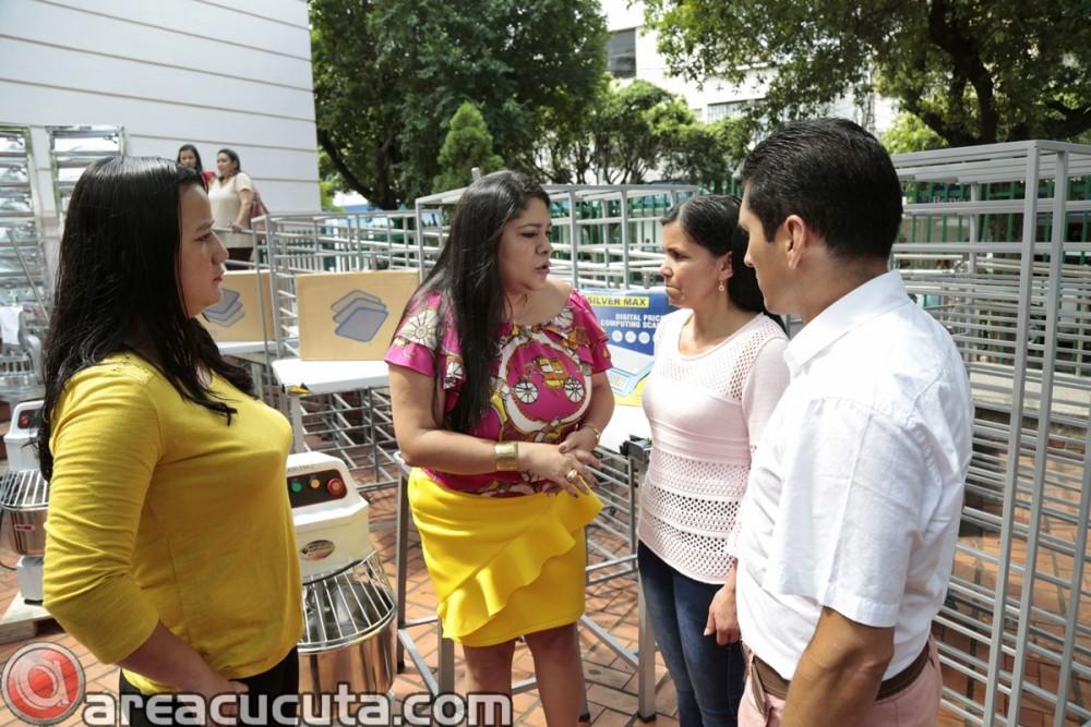 Entrega de capital semilla para asociaciones de Mujeres de San Calixto, Chinácota, Ragonvalia, Mutiscua y Durania (9)